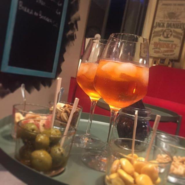 Have a break, have a Spritz!  #hashtag #lapizzacciatorino #spritz