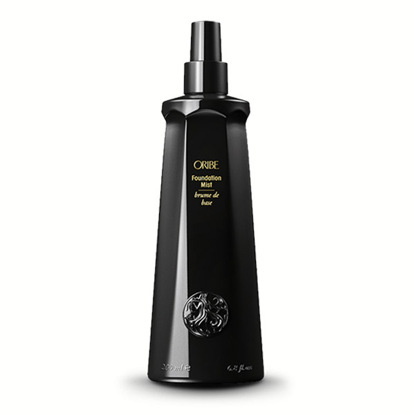 Oribe Foundation Mist: A weightless way to prime hair for styling and revitalizing. Nutrient-rich conditioning spray builds in shine and detangles, all while providing anti-static thermal protection and improving the health of the hair.