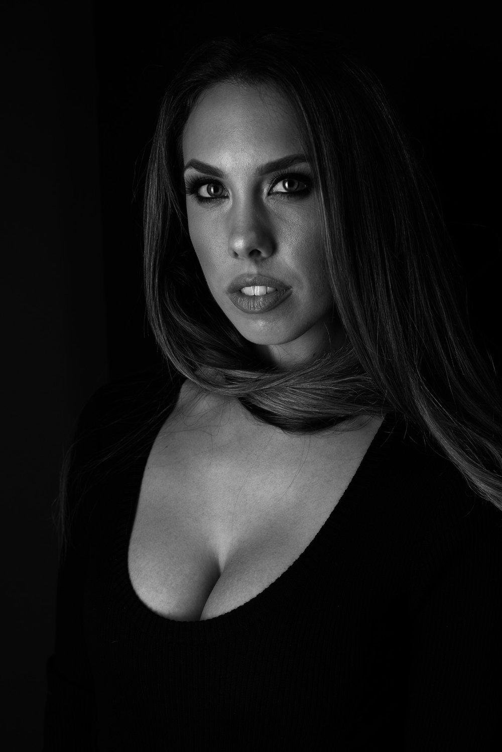 20170115 Lauren Raich - studio - Sausalito-1008013-EditBW.jpg