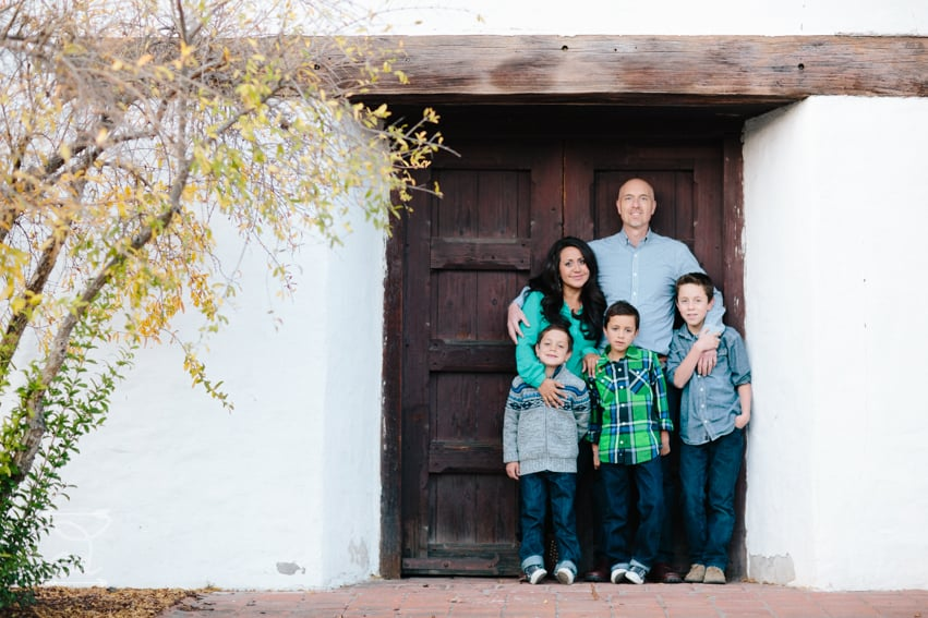 Beautiful petaluma family's christmas pictures at sonoma mission