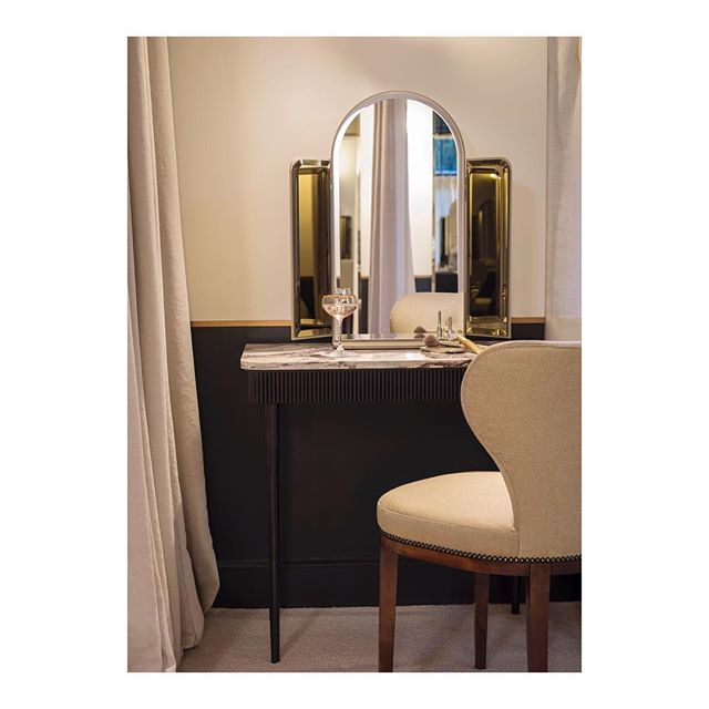 Our bespoke vanity mirror and make-up table for Bob & Cloche ✨ @thegleneagleshotel