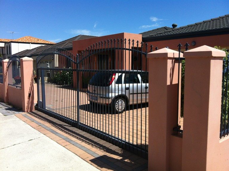Residential Sliding Gate.jpg