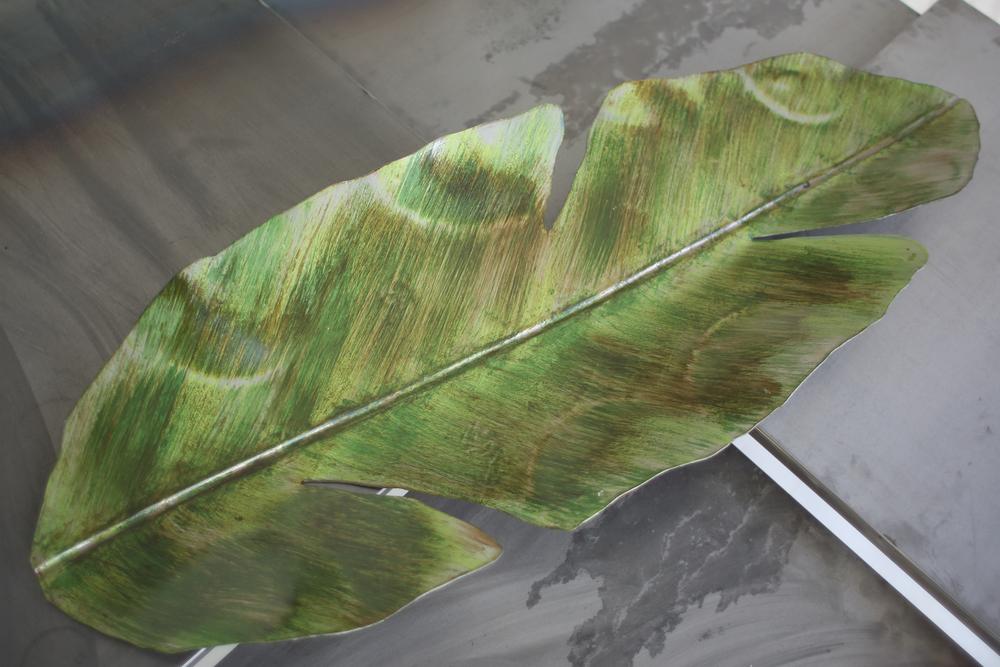 Hoja de platanero para mesa con pátina verde