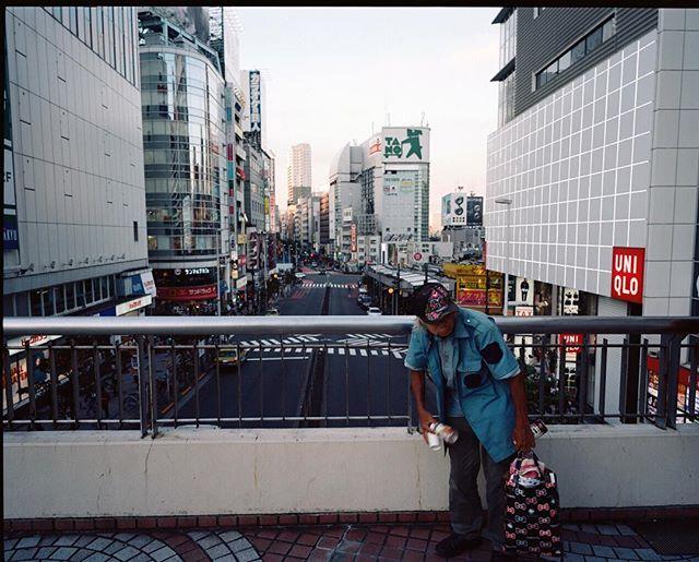 Tokyo, Shinjuku. 2016. #tokyo #japan #mediumformat #mamiya #portra #kodak #shootfilm