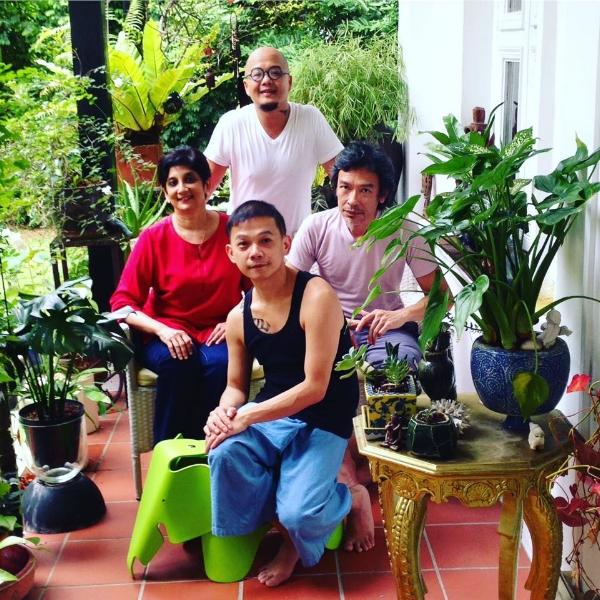 Clockwise: Aaron Khek (standing), Leslie Tan, Ix Wong Thien Pau & Nirmala Seshadri  Photo Credit: Jereh Leong