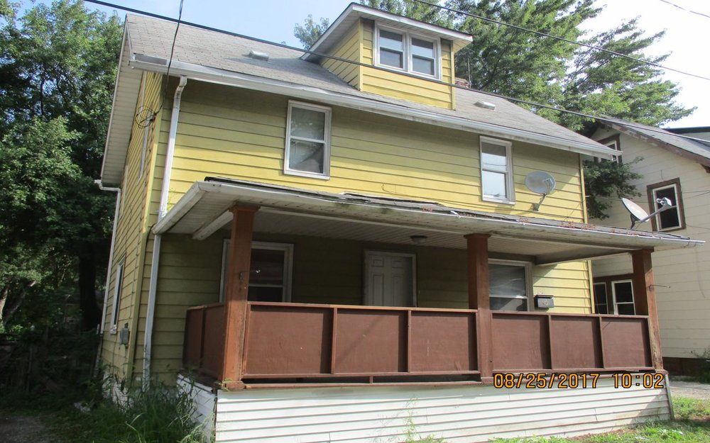 395 Conmore Court, Akron, Ohio 44311 Minimum Offer:  For-Profit  $7,275  Owner-Occupant  $6,687  Non-Profit  $5,513 Original List Date: 11/10/2018 Next Offer Review Deadline: 03/01/2019 4 p.m.  Minimum Renovation Requirements  NO Application Fee Required 4 Bed | 1 Bath | 1,248 sq. ft. Property Showing: Contact Us