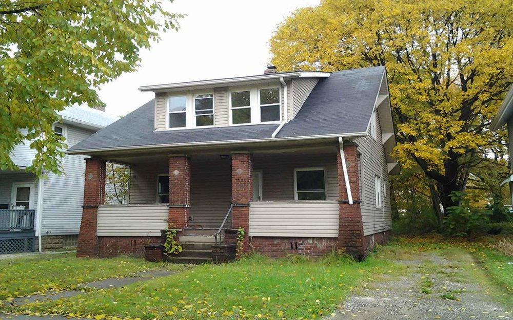 557 East Avenue, Akron, Ohio 44320 Minimum Offer:  For-Profit  $5,873  Owner-Occupant  $5,331  Non-Profit  $4,248 Original List Date: 11/26/2018 First Offer Review Deadline: 12/28/2018 4 p.m.  Minimum Renovation Requirements  NO Application Fee Required 3 Bed | 1 Bath | 997 sq. ft. Property Showing: 11/30/18 & 12/20/18 3-4 p.m.
