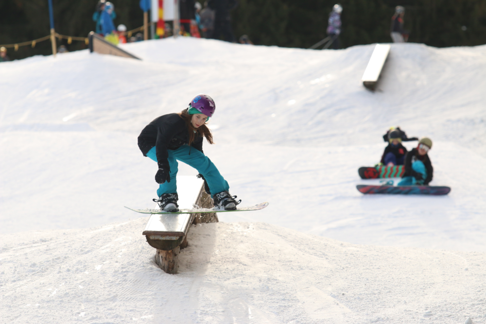 Kids-Freestyle-Snowboard-Training.jgp