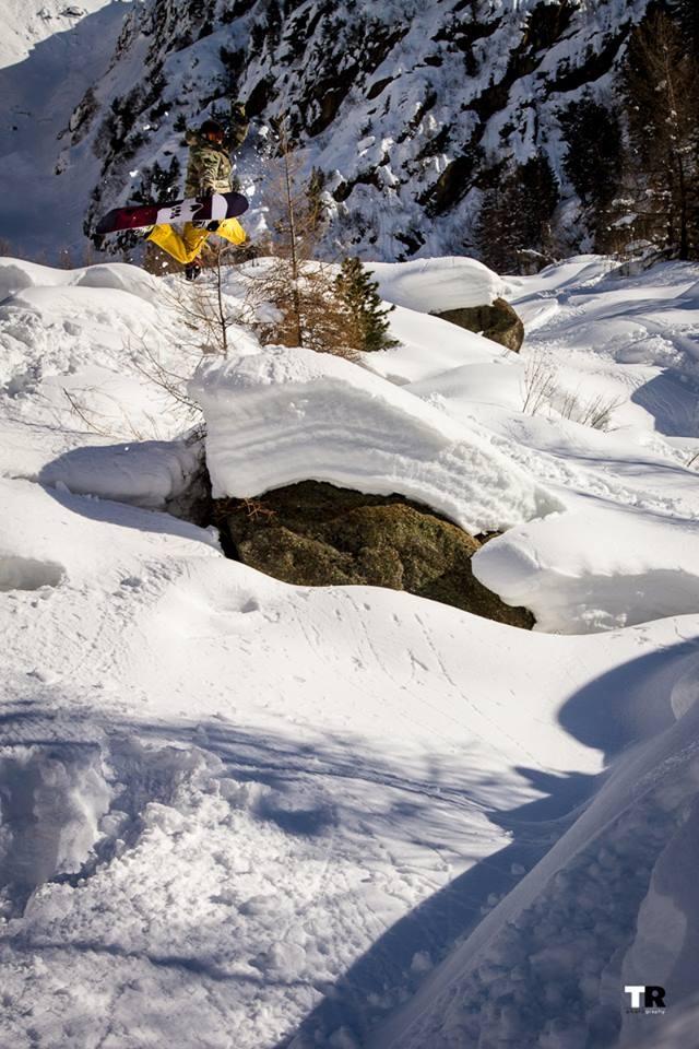 Leo-Schwiersch_Powder_Method_Snowboard-Bayern