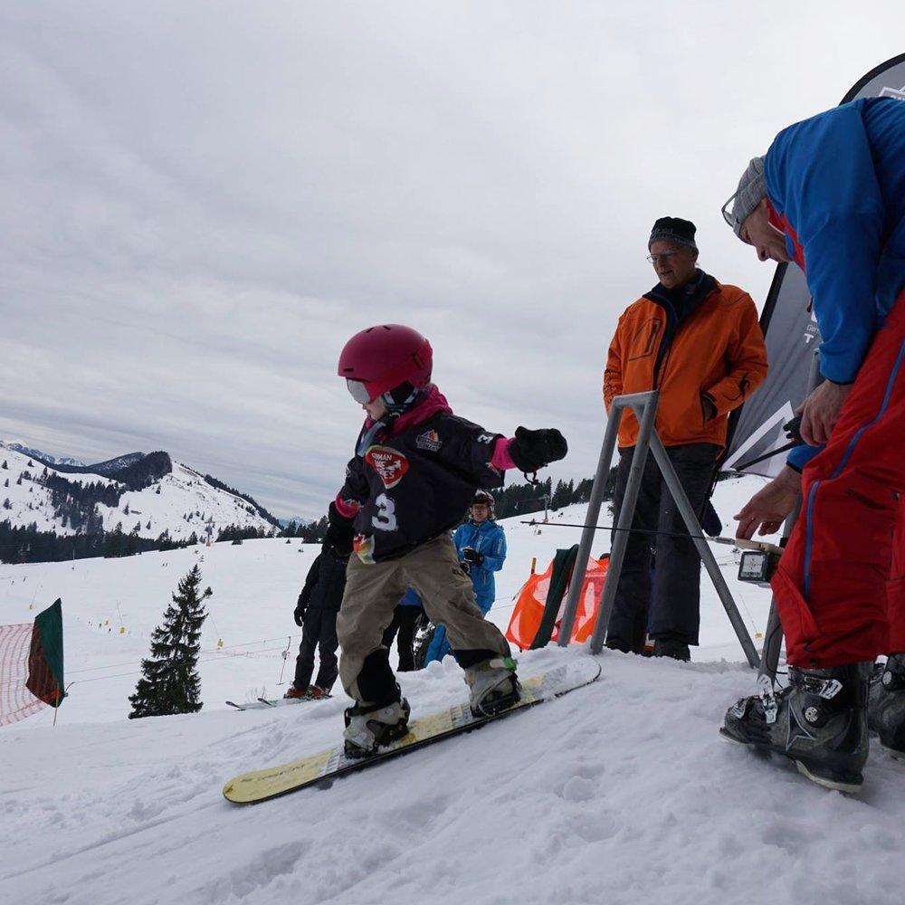 Snowboard_Kinder-Rennen_Bayern_Sudelfeld