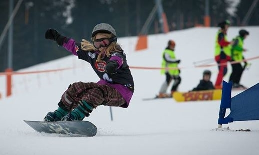 kids-snowboard-racing.jpg