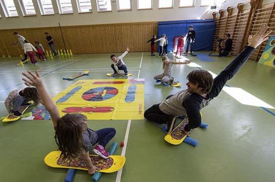 Burton Riglet Schule für die Nutzung in Sporthallen