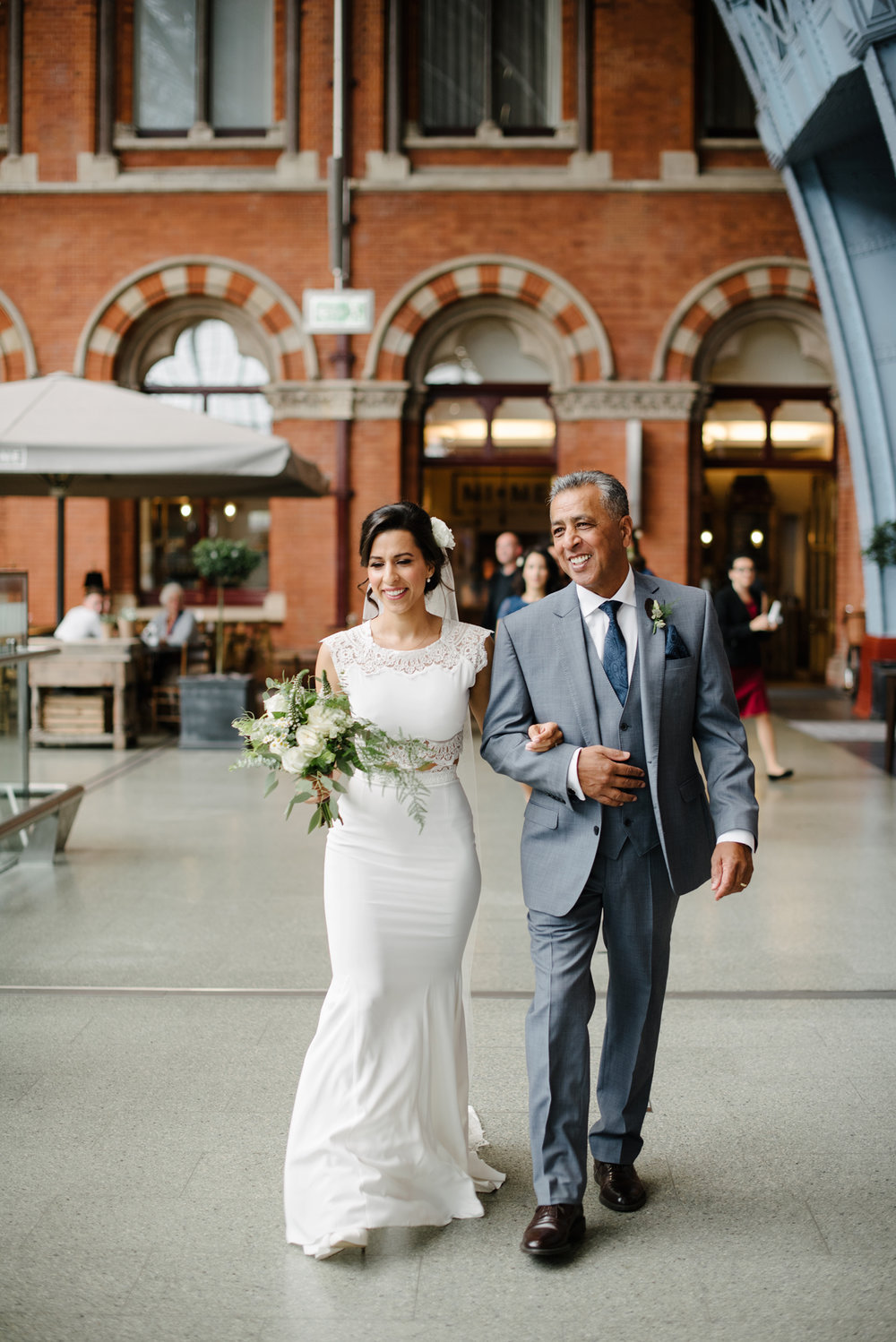 St.Pancras-London-wedding-photographer-53.jpg