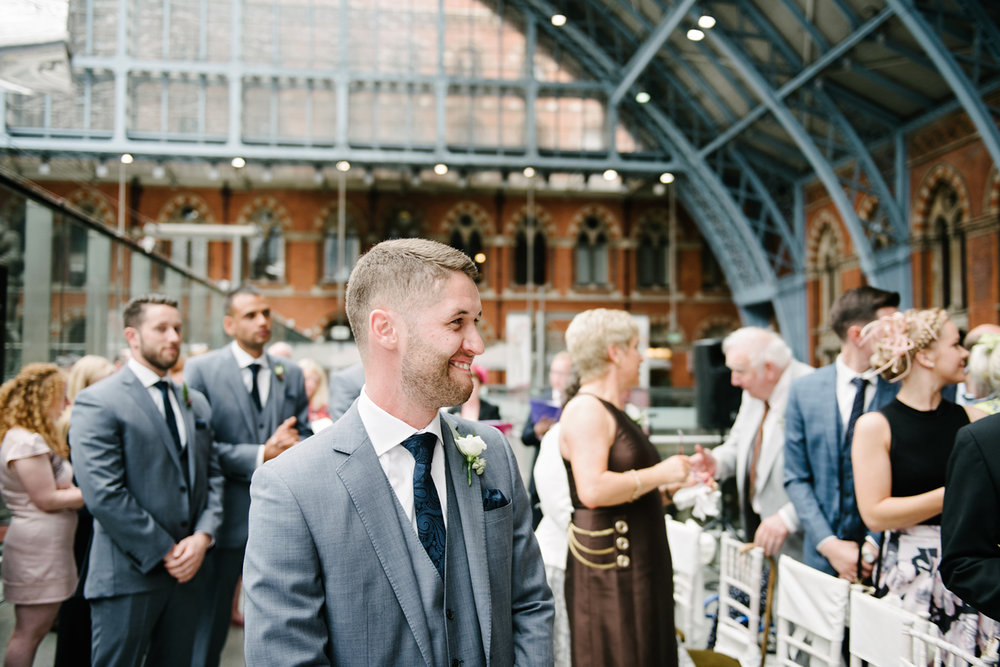 St.Pancras-London-wedding-photographer-55.jpg
