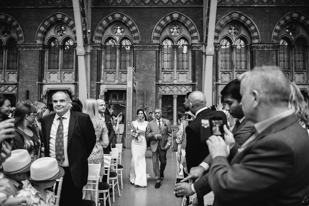 St.Pancras-London-wedding-photographer-56.jpg