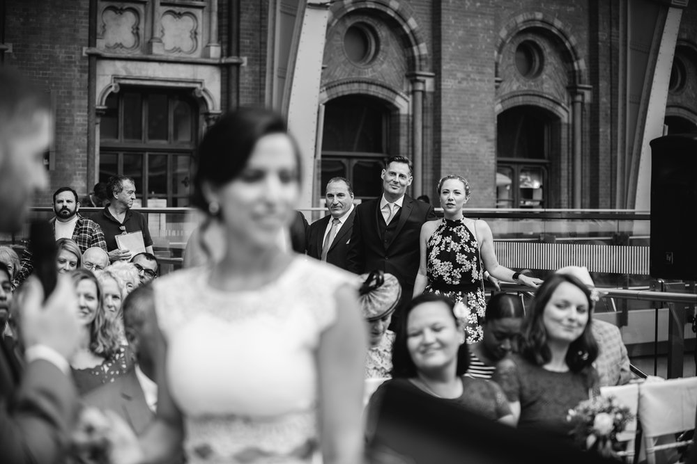 St.Pancras-London-wedding-photographer-66.jpg