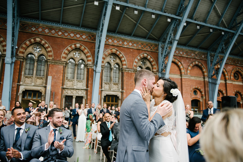 St.Pancras-London-wedding-photographer-80.jpg