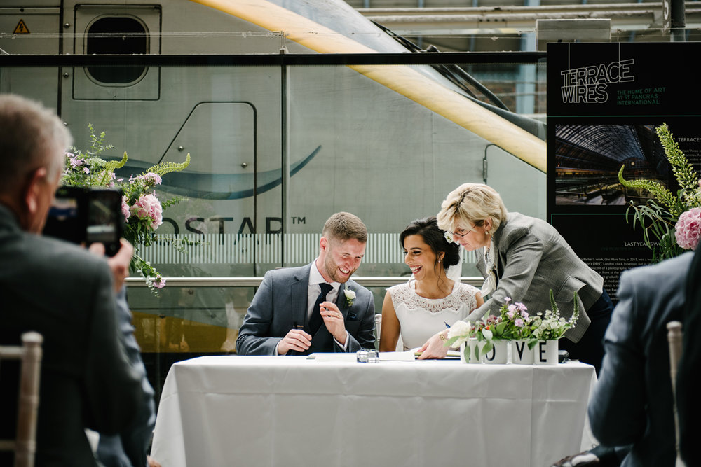 St.Pancras-London-wedding-photographer-83.jpg