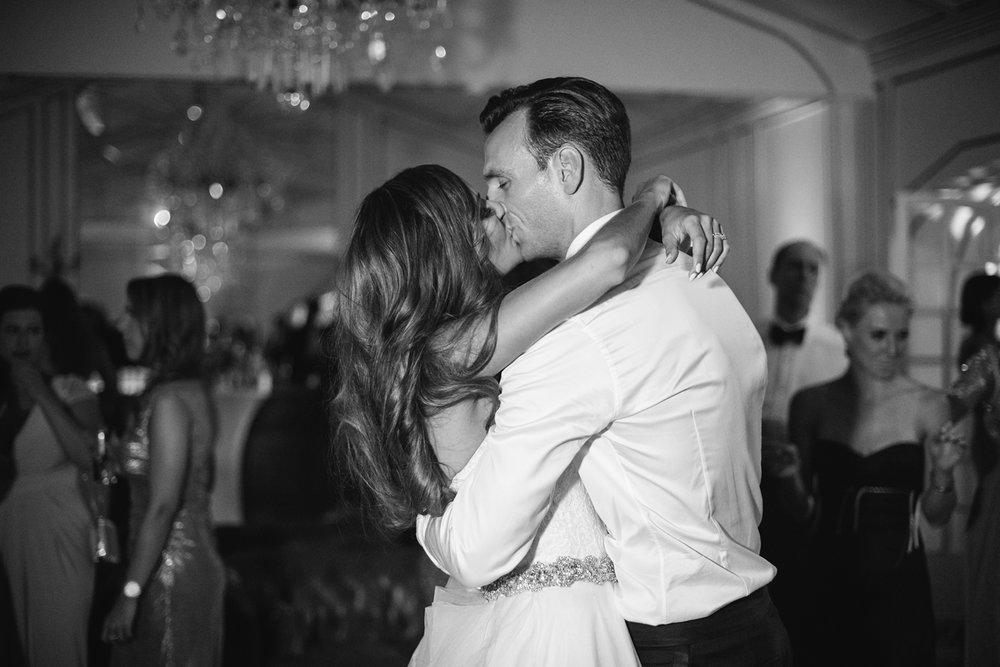 Chateau-Robernier-Wedding-Photographer-0187.jpg