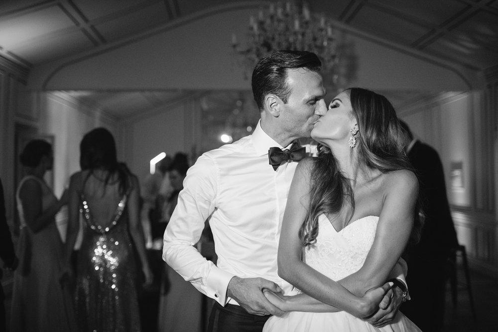 Chateau-Robernier-Wedding-Photographer-0199.jpg