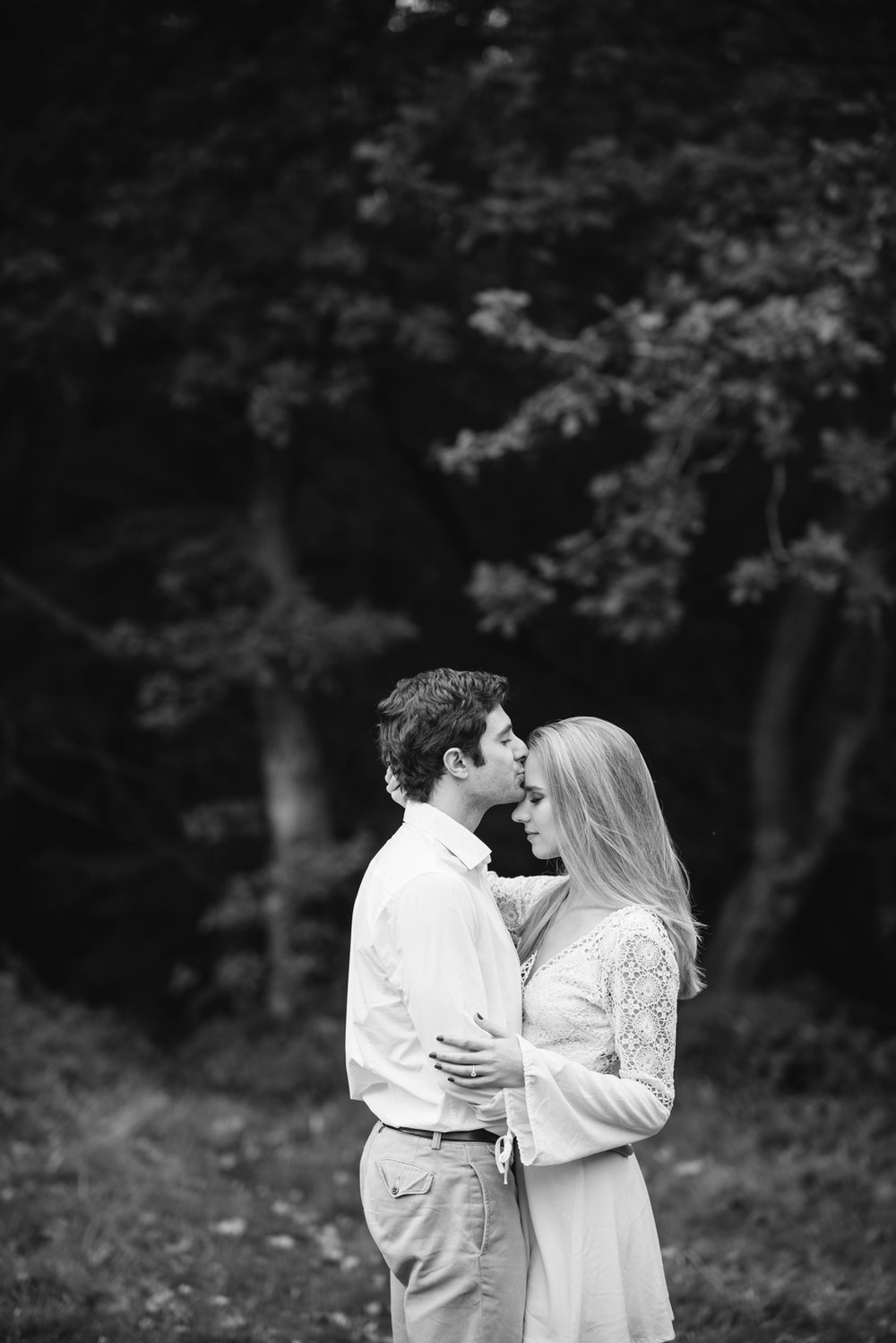 Hampstead-Heath-Engagement-Shoot-017.jpg