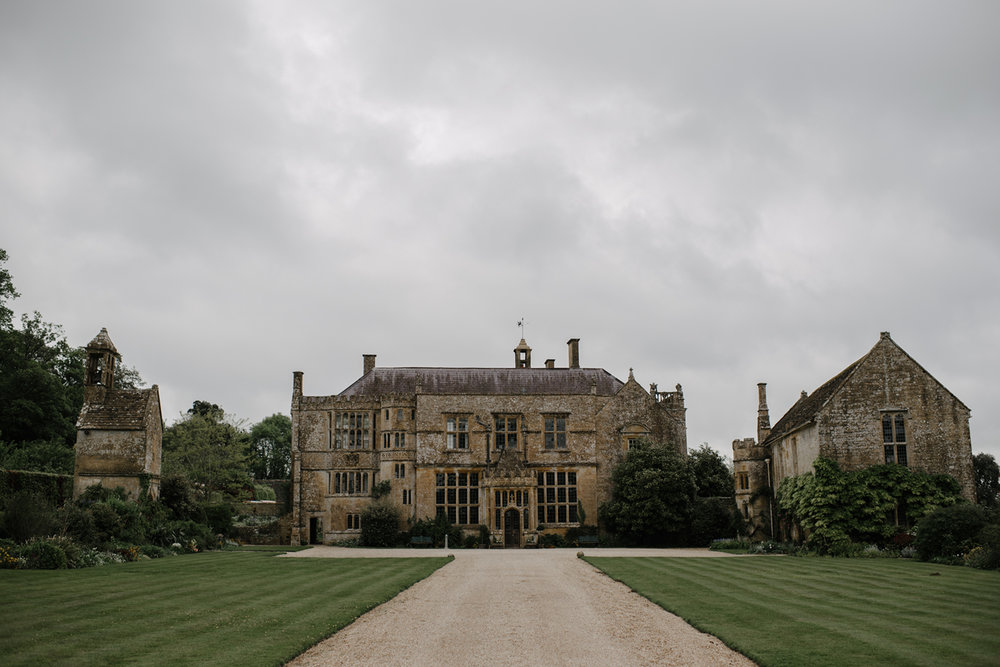 Brympton-House-Wedding-Photographer-006.jpg