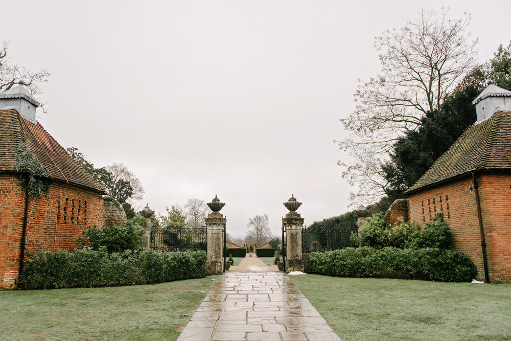 Four-Seasons-Hampshire-Wedding-Photographer-002.jpg