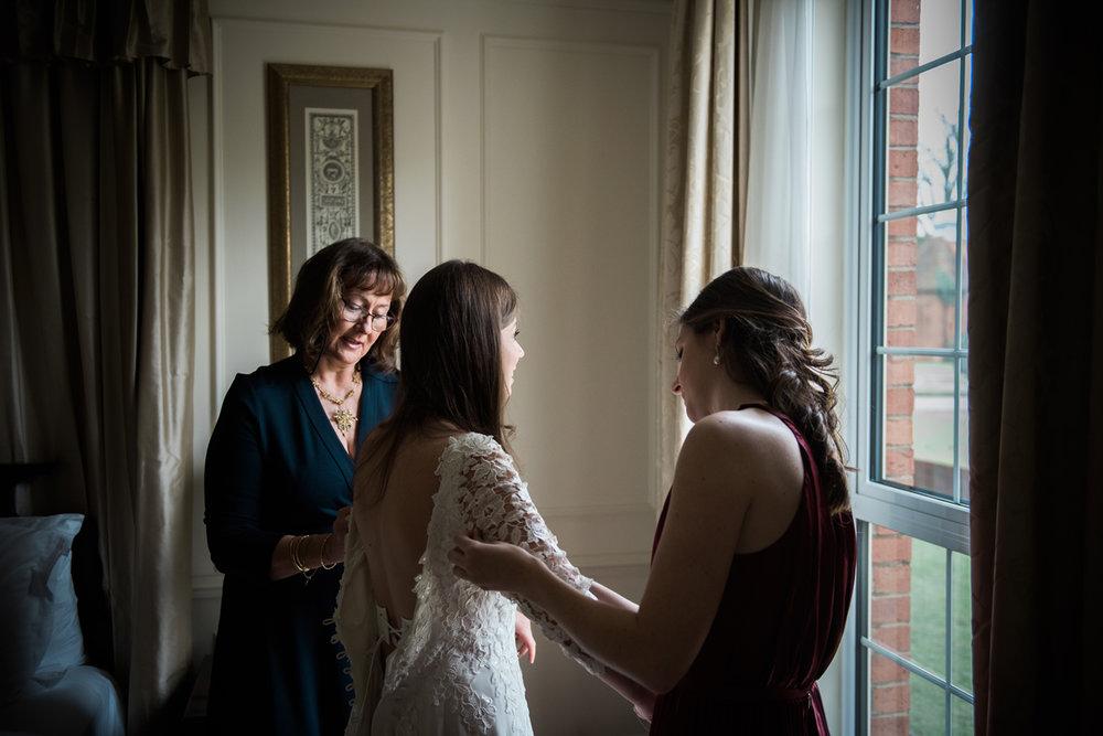 Four-Seasons-Hampshire-Wedding-Photographer-008.jpg