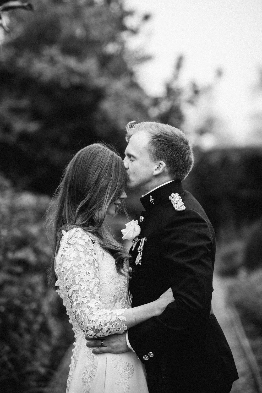 Four-Seasons-Hampshire-Wedding-Photographer-039.jpg