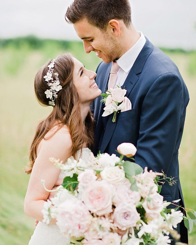 Wedding season and family shoots are well underway now! I haven't got around to sharing just yet but hoping to have some new work up soon! I love this bouquet from @bloomingayles #weddingsbydominiquebader #timeless #authenticportraits