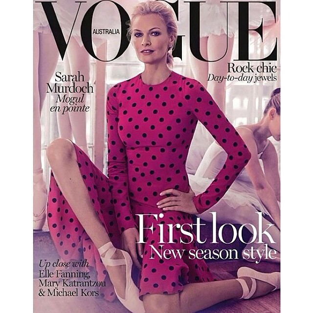 Belinda Jeffrey's latest hair colour on good friend Sarah Murdoch,11 covers later!! Sarah has broken the record for most front covers done in Australian vogue, check out the latest issue @vogueaustralia more photos to come ! #belindajeffrey #theoneglobalcolourist @oneejeffrey #hair #beauty #fashion ⚡️⚡️⚡️