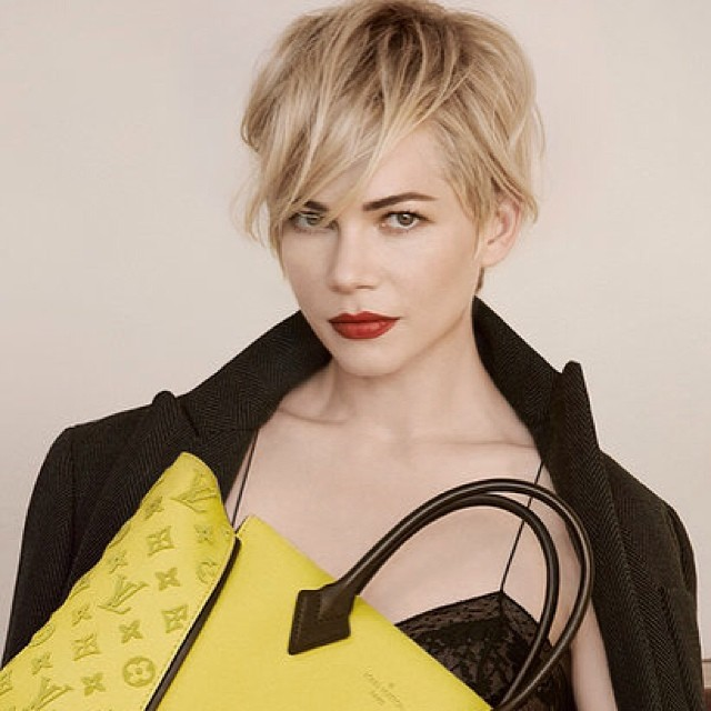 #thinking #short #crop ? #look no further than #michellewilliams #pixie in #latest #LouisVuitton
