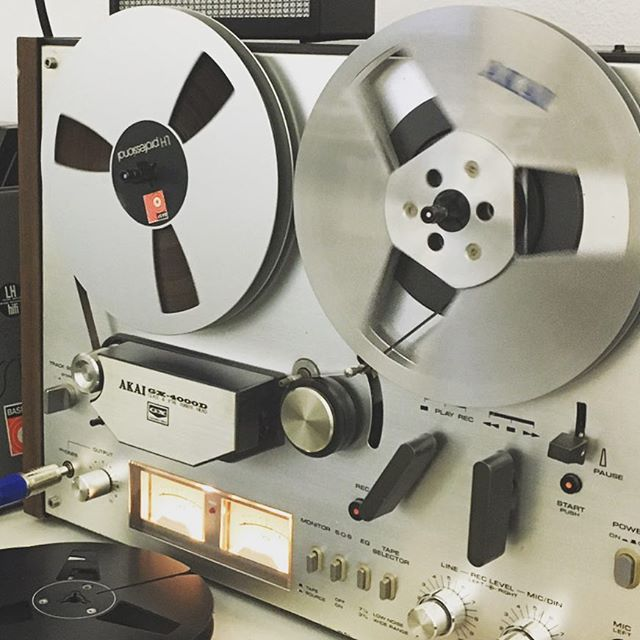 The new kid on the block. #Akai #gx #4000 #reeltoreel #tapemachine. just bought it some days ago. it works well after 40 years... and it sounds #brilliant.