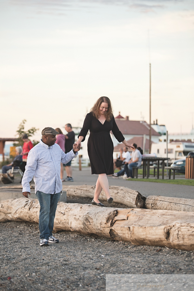 Snohomish Beach Engagement Session-4.jpg