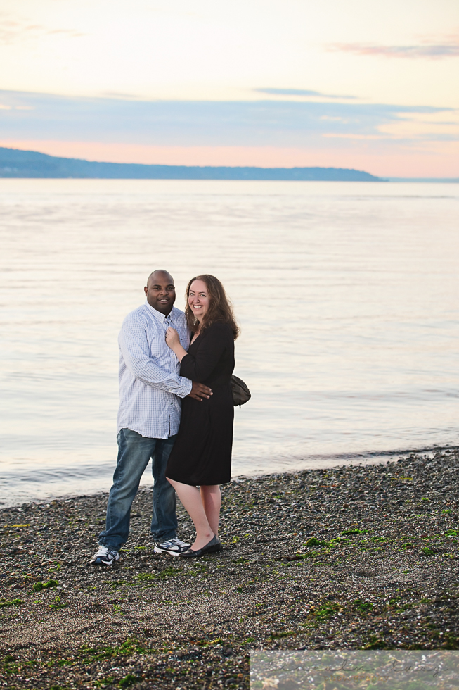 Snohomish Beach Engagement Session-5.jpg