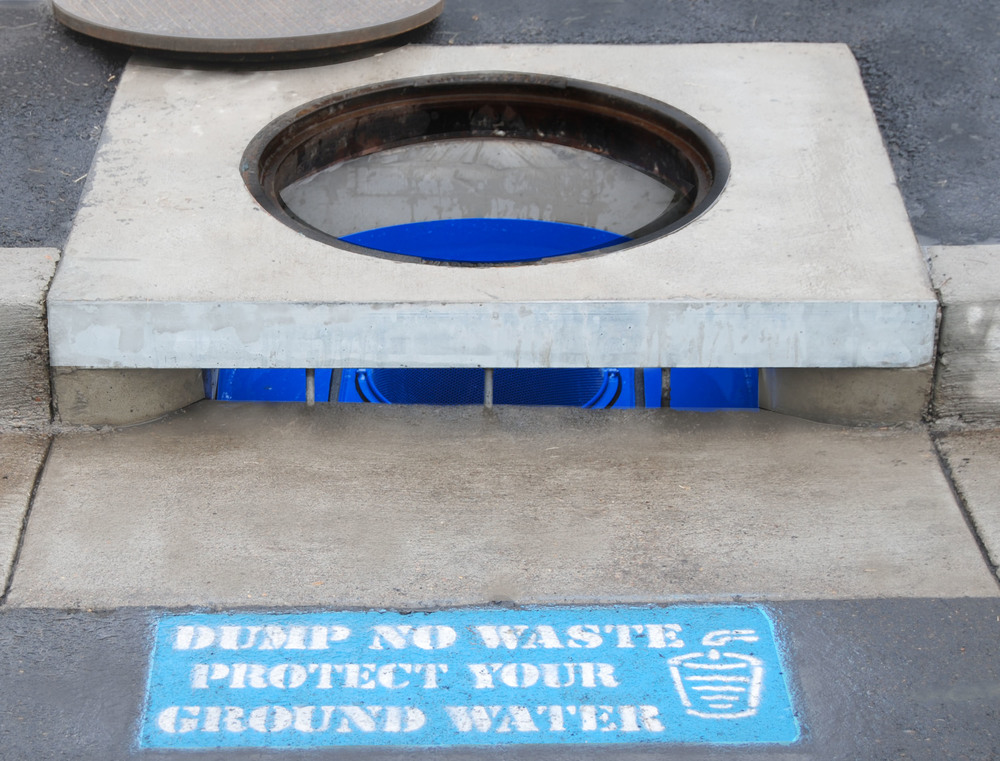 Curb Inlet Catch Basin Insert