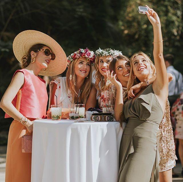 Sonríe!! • . • . • . #mariposas&huracanes #wedding #boda #fotografodebodas #zaragoza #love #fotografodebodaszaragoza #engagement #vestidodenovia #bridedress #forestwedding #bodas2018 #bodas2019 #fotografozaragoza #soria #bodaensoria #fotofrafodebodassoria