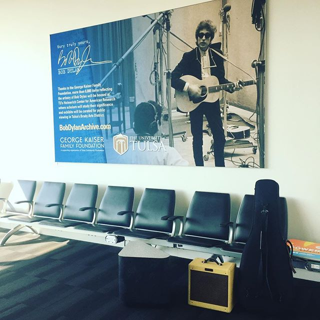 I'm back at the airport.. can you believe it?  #SanDiego bound ✈️ @bellyuptavern #bobdylanarchive #fender