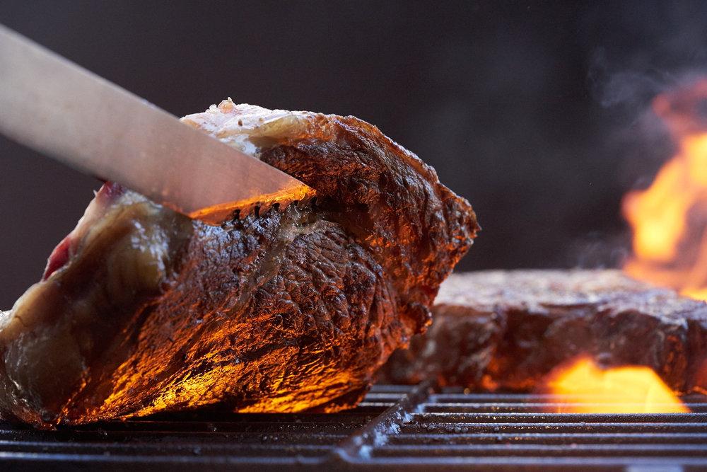 SteaksOnGrill_0047.jpg