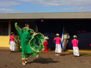 Girls dancing in Tipitapa