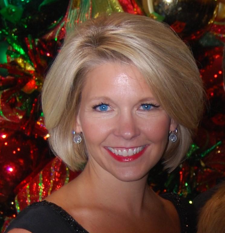 Stephanie Pace Headshot.jpg