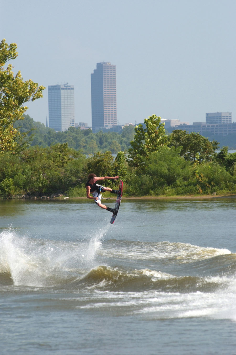 Little_Rock_Wake_Boarding_01.jpg