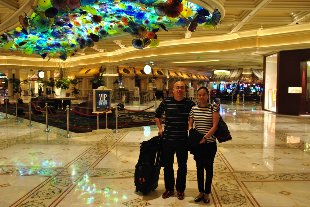 The Happy Travellers before checking-in at Bellagio Hotel