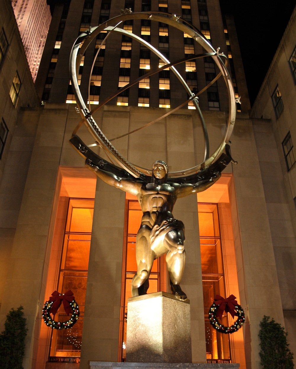 Atlas Statue in front of Rockefeller Center in midtown Manhattan