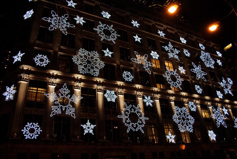 Rockefeller snowflakes light show