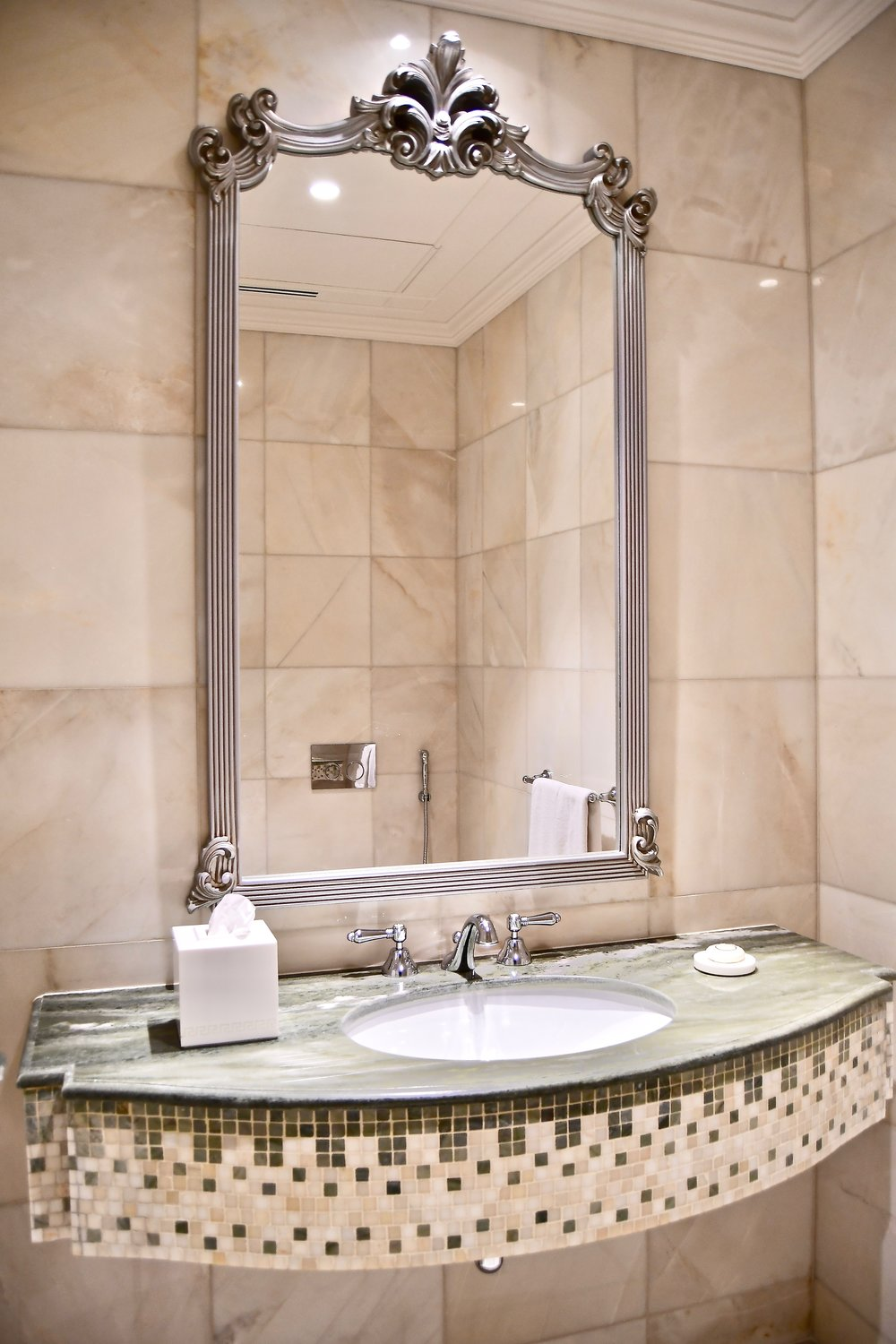 Grand Suite - Powder Room (Palazzo Versace Dubai)