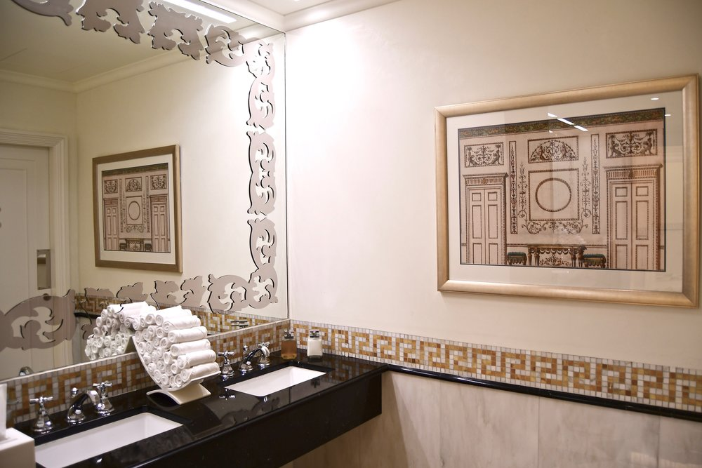 Ladies Powder Room (Palazzo Versace Dubai)