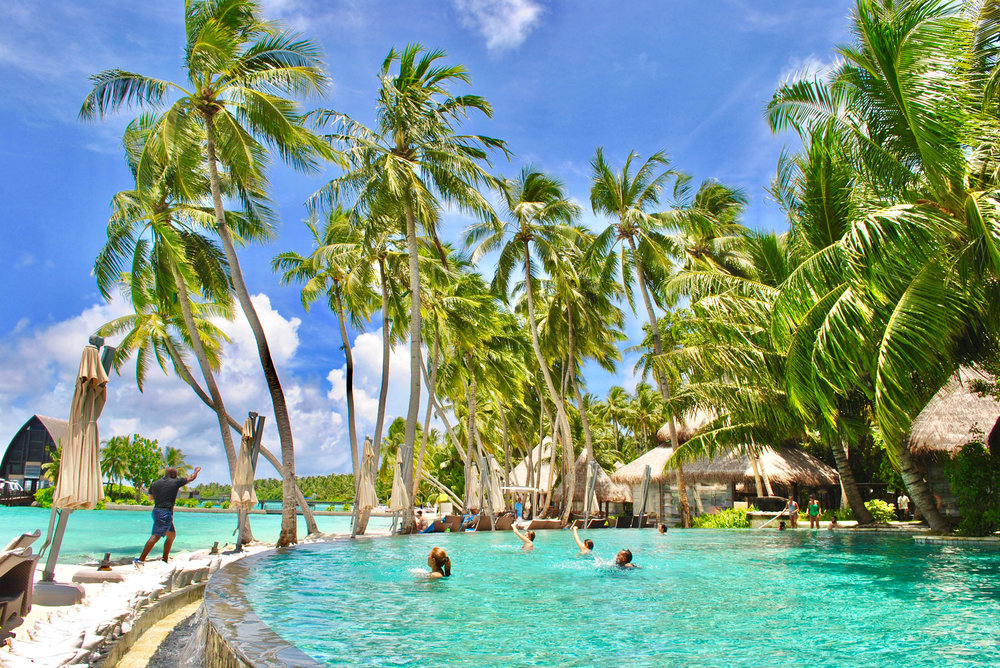 Swimming Pool (Shangri-La Maldives)