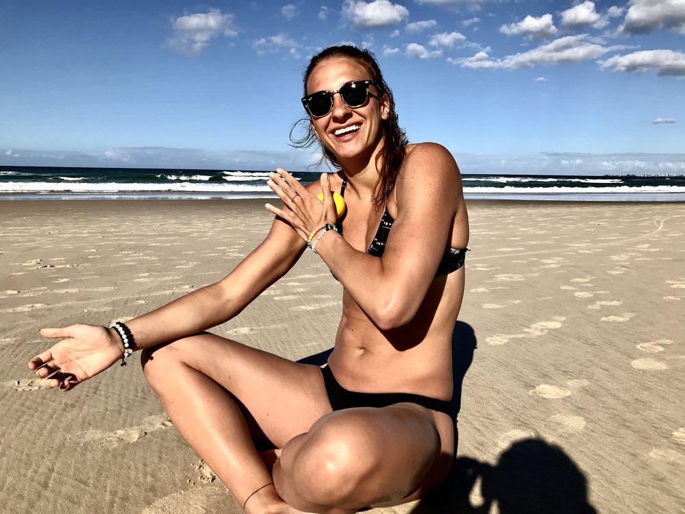 Chvilka autofyzioterapie na pláži.. :)
