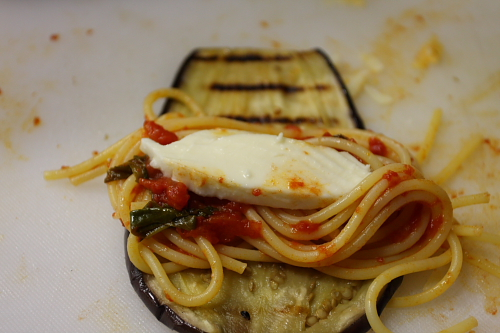 eggplant-slice-with-pasta-before-rolling